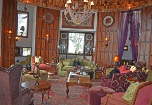 bar ngorongoro crater lodge