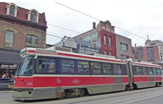 toronto-iconic-streetcar